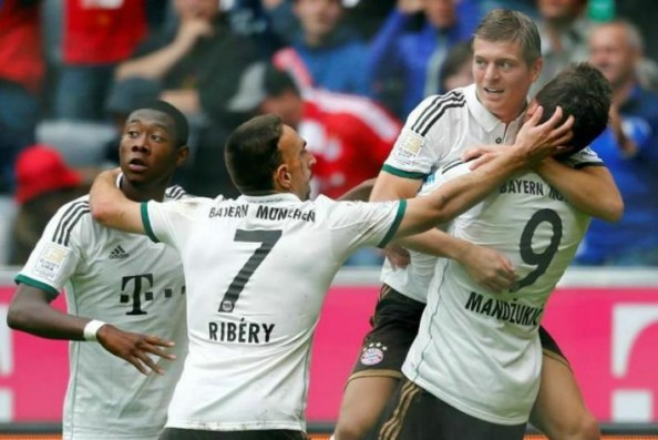 Bayern Celebrating