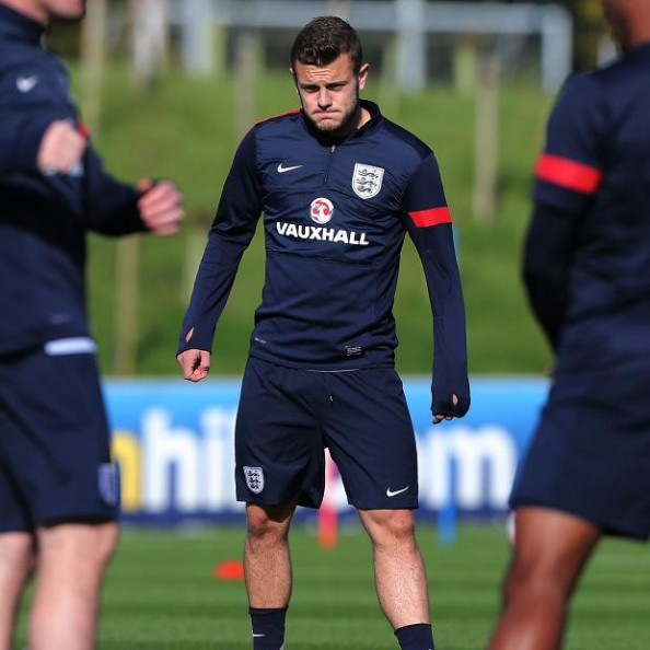 Apparently, taking a leak with the cameras rolling doesn't seem to bother Jack Wilshere