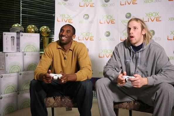 Kobe Bryant, Chris Kaman