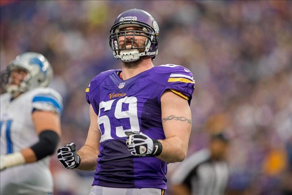 Jared Allen e1393413132987 NFL Rumors   Tampa Bay Buccaneers Interested in Signing Jared Allen