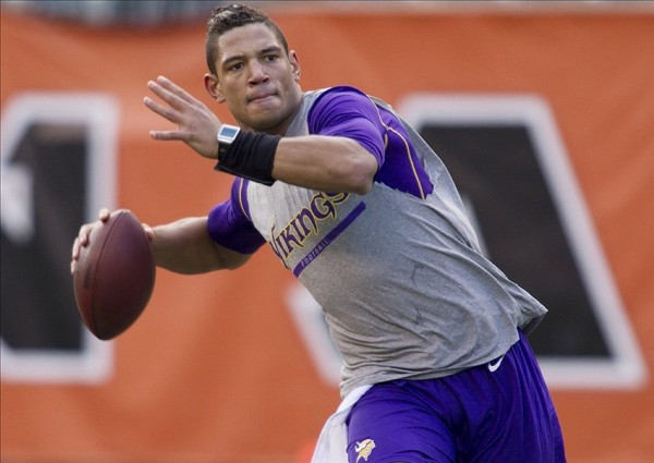 Josh Freeman e1391772462906 NFL Rumors   Oakland Raiders Interested in Signing Josh Freeman