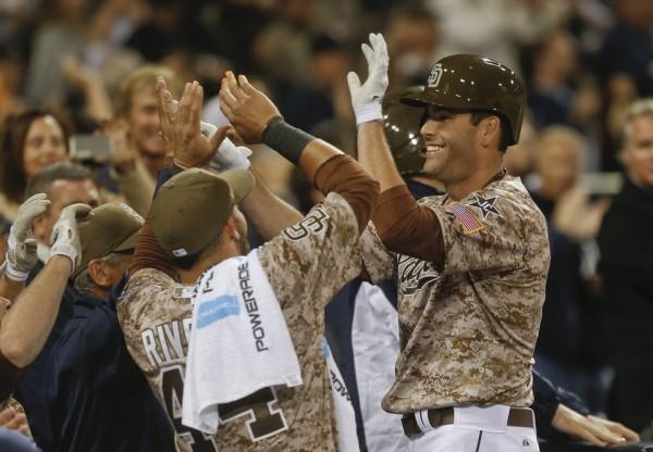 Padres beat Dodgers