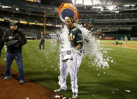 A's beat Mariners