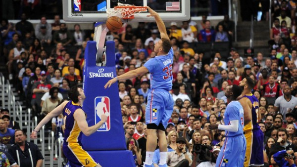 Clippers beat Lakers