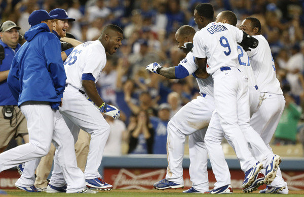 Dodgers beat Tigers