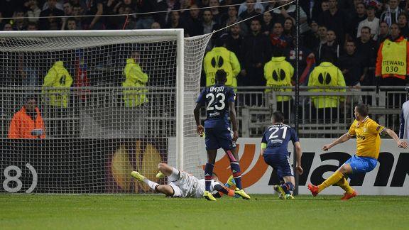Juventus beat Lyon