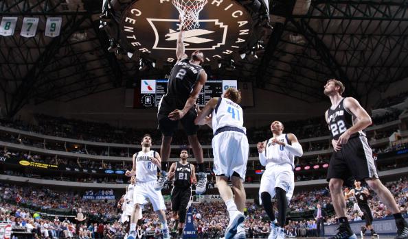 Spurs beat Mavs