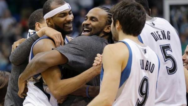 Timberwolves beat Rockets