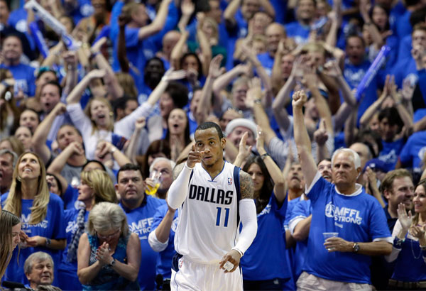 Mavericks beat Spurs