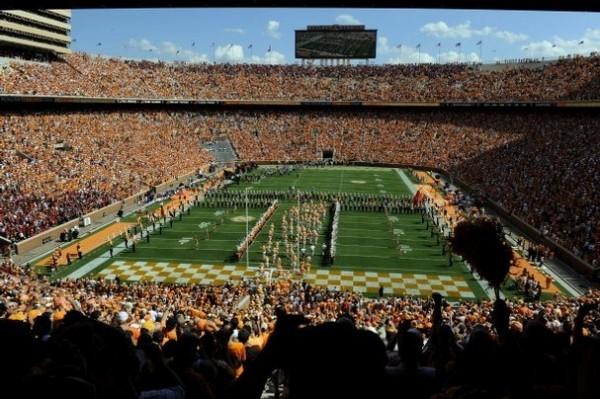 Neyland Stadium e1408619948822 10 Biggest Stadiums in College Football