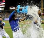 Dodgers beat Giants