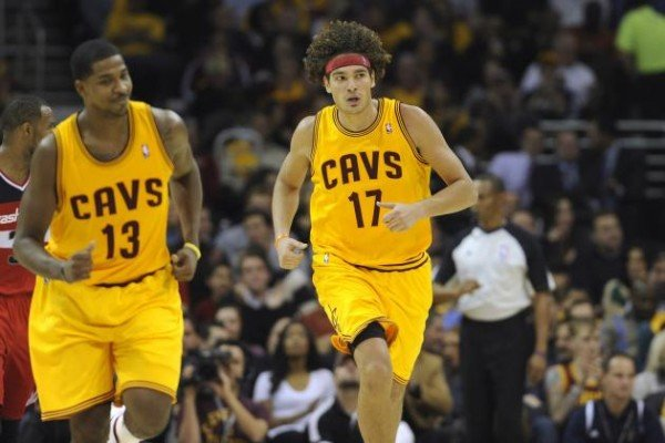 Thompson, Varejao