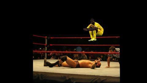 WWE'ing