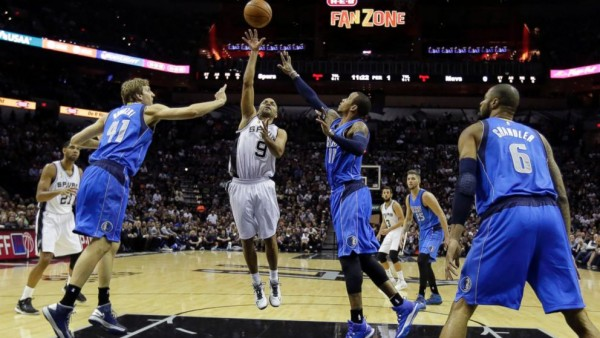 Spurs beat Mavericks