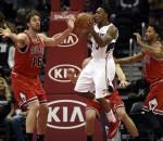 Hawks beat Bulls