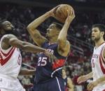 Hawks beat Rockets