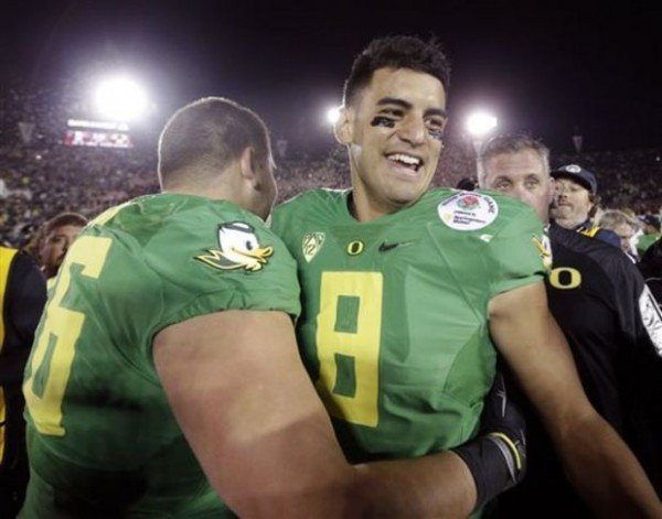 Marcus Mariota e1425219407552 NFL Rumors   Philadelphia Eagles Interested in Drafting Marcus Mariota