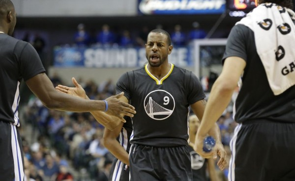 Warriors beat Mavericks