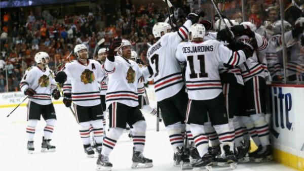 Blackhawks beat Ducks