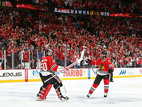 Blackhawks beat Ducks