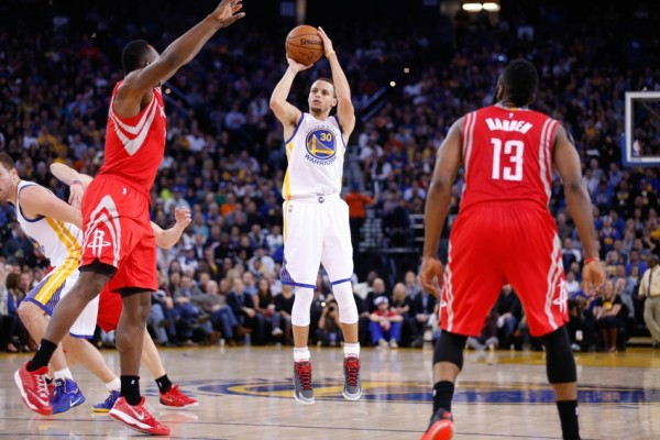 Stephen Curry averaged 25.8 points and 8.3 assists in four regular season games against the Houston Rockets.