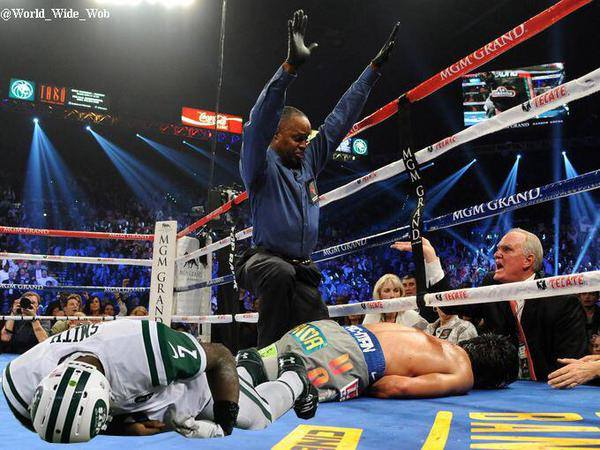 Down goes Geno
