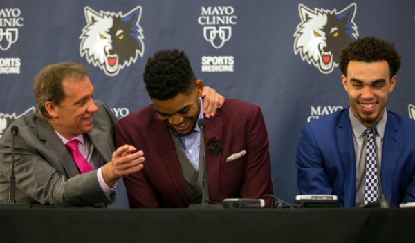 Saunders with rookies Karl-Anthony Towns and Tyus Jones