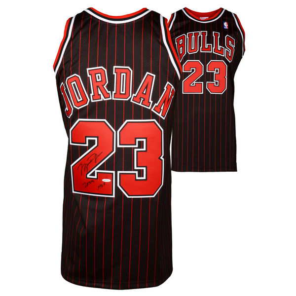 Autographed Chicago Bulls Michael Jordan Jersey Hall of Fame inscription