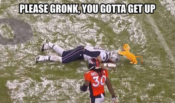 Please get up Gronk