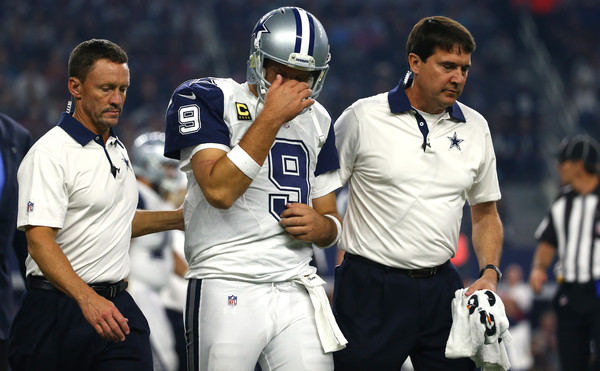 Tony Romo Walking Off