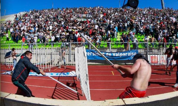 Colo Colo vs Santiago Wanderers Hooligans