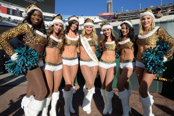 ... Jags Christmas Cheerleaders ... - Babes Of The Day - NFL Cheerleaders In Christmas Spirit (21 Photos