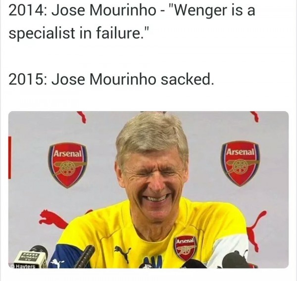 Wenger laughing at Mourinho