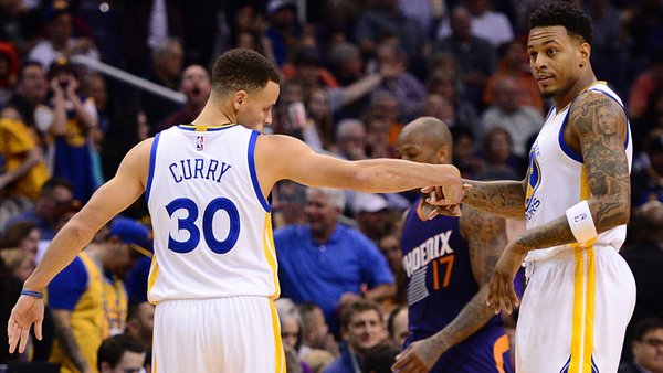Stephen Curry Pointing