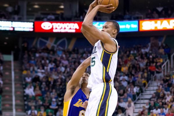 Jazz Destroy Lakers