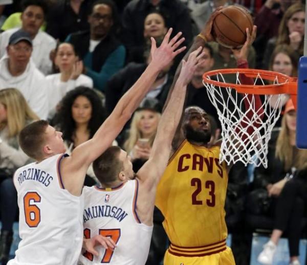 LeBron James Dunk on Amundson & Porzingis
