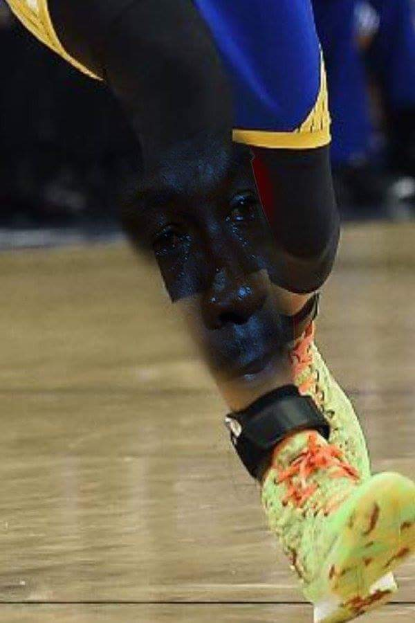 Crying Jordan Curry Knee