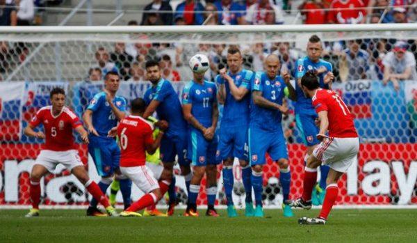 Gareth Bale free kick