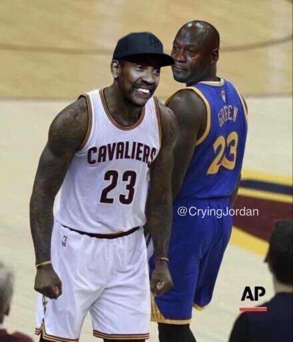 LeBron smiling Draymond Crying Jordan