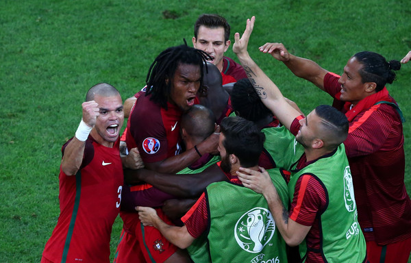 Portugal beat Poland