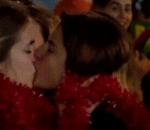 Portugal fans kiss