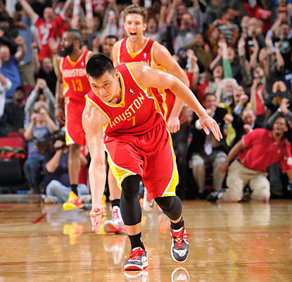 Lin scored 29 points in a win over the Oklahoma City Thunder on February 2013