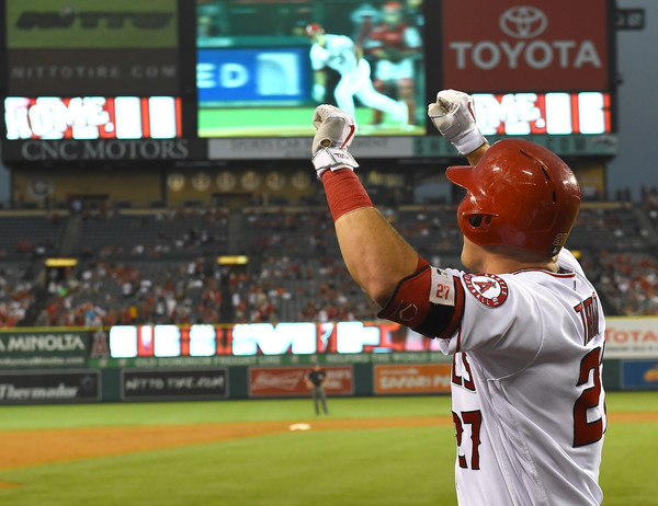 Angels double up Reds 4-2