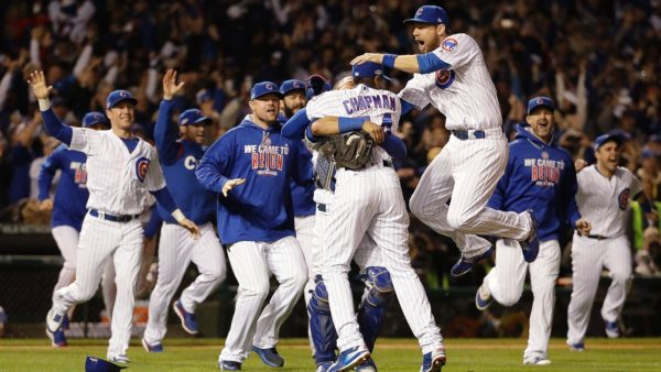 Cubs beat Dodgers, Chapman Closes