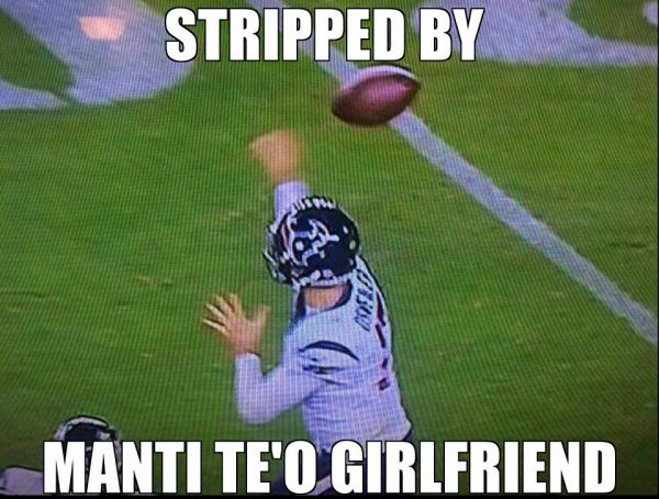 stripped-by-manti-teo-girlfriend