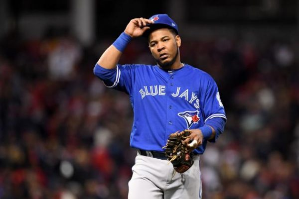 MLB Rumors: Toronto Blue Jays Still Hoping to Re-Sign Edwin Encarnacion