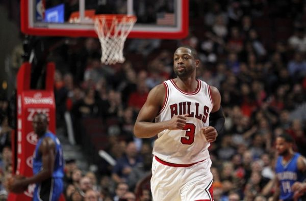 Dwyane Wade tweets apology to Bulls fans for 'AWFUL' performance in loss