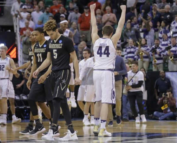 Northwestern beat Vanderbilt