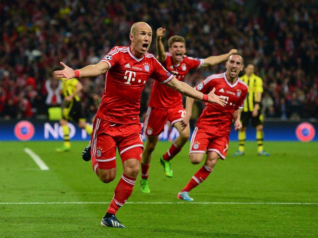 Arjen Robben Clutch