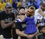 Crying Curry's daughter